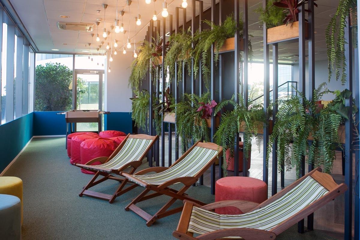 Espaço de coworking na sede da Edenred Brasil (Foto: Divulgação/Daniella Scarelli)