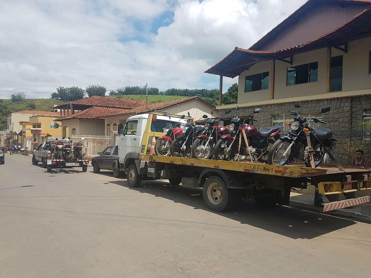 Grupo é detido por direção perigosa e corrupção de menores em Guidoval - Noticias