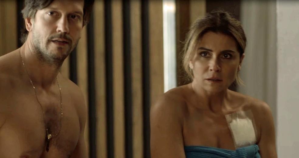 Remy e Luzia são pegos em uma situação bastante embaraçosa (Foto: TV Globo)