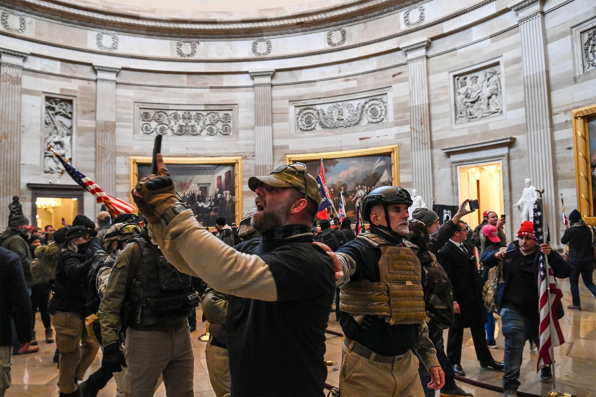 EUA indiciam mais de 300 pessoas por ataque ao Capitólio