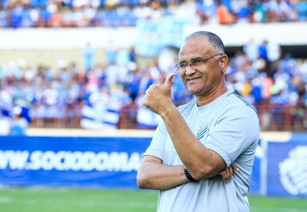 Oliveira Canindé teve uma boa passagem à frente do CSA, conquistando o acesso para a Série C de 2017 — Foto: Ailton Cruz/Gazeta de Alagoas