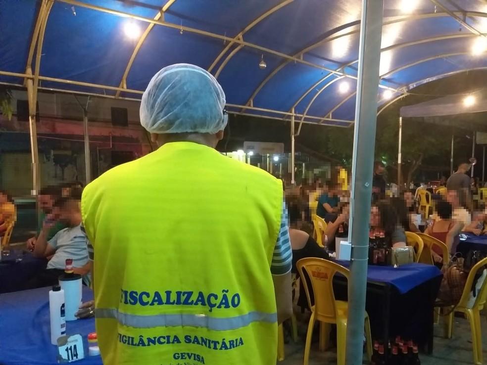 Fiscalização autua bares com grandes aglomerações em Teresina  — Foto: Divulgação/Vigilância Sanitária