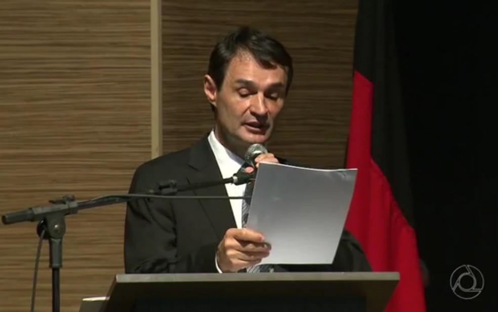 Romero Rodrigues, ex-prefeito de Campina Grande, durante posse — Foto: Reprodução/TV Paraíba