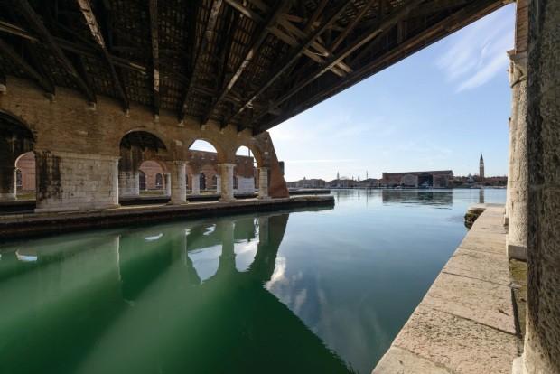 Bienal de Arquitetura 2018 aborda o vazio (Foto: Andrea Avezzu )