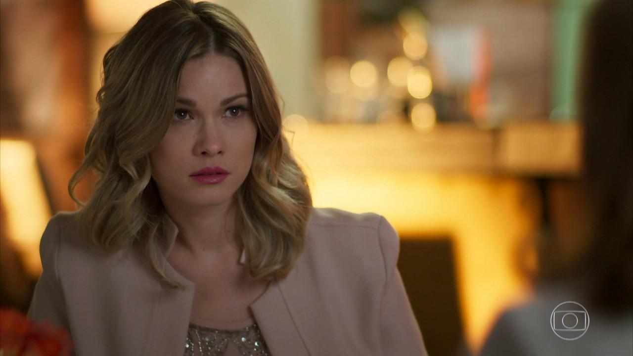 Jéssica fica surpresa com a revelação de Vitória