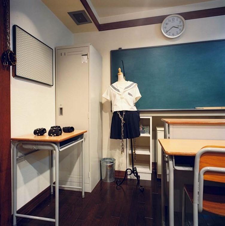 O inevitável e polêmico tema 'colegial' - fascínio de adultos japoneses