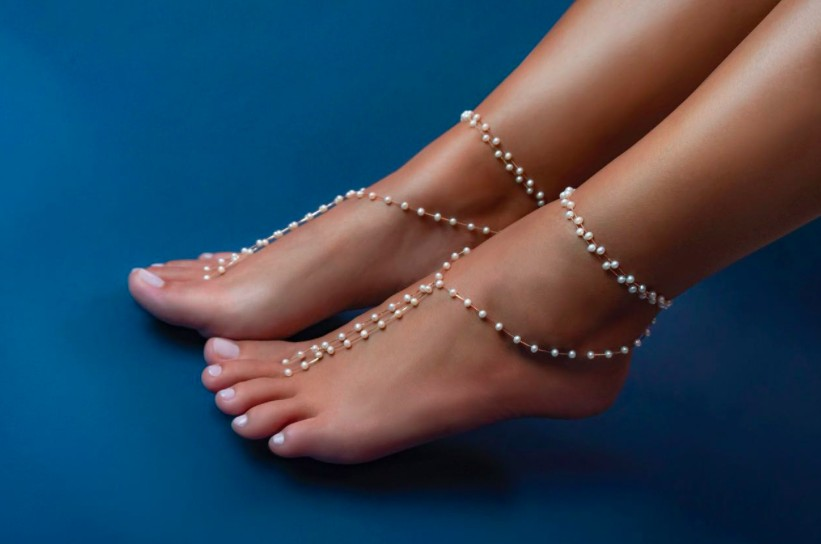 A tornozeleira feita com exclusividade para Camila usar no casamento (Foto: Divulgação)