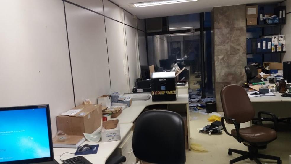Documentos jogados no chão no Ministério do Trabalho, em Brasília (Foto: Arquivo pessoal)