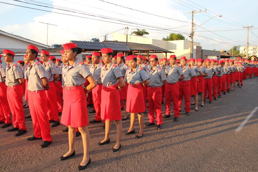 dcfeeb9564 ... Bombeiros divulgam lista de sorteados para vagas no colégio militar Dom  Pedro II — Foto: