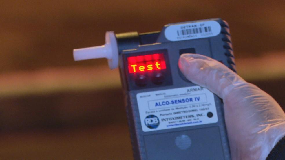 Policial Civil dirigia sob efeito de álcool confirmado; imagem de arquivo — Foto: TV Globo/Reprodução