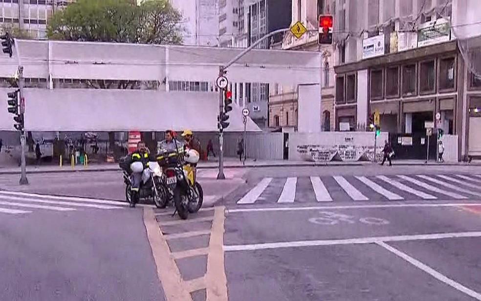 CET bloqueou acesso a ruas do Centro de SP no Dia Mundial sem Carro (Foto: TV Globo/Reprodução)