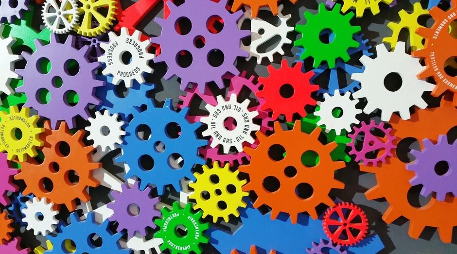 ferramentas coloridas (Foto: Reprodução/Pexels)