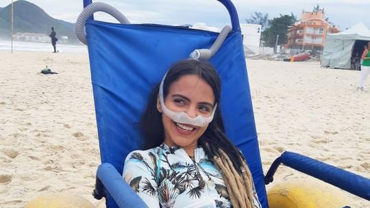 Pally Siqueira, de 'Malhação', grava cenas de surf com projeto social premiado