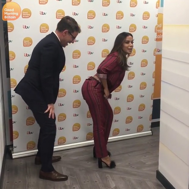 Anitta e o apresentador Richard Arnold (Foto: Reprodução Instagram)