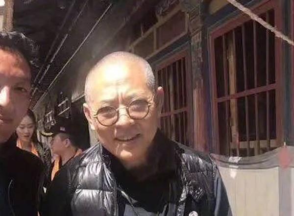 O ator Jet Li na foto que deixou seus fãs preocupados (Foto: Reprodução)