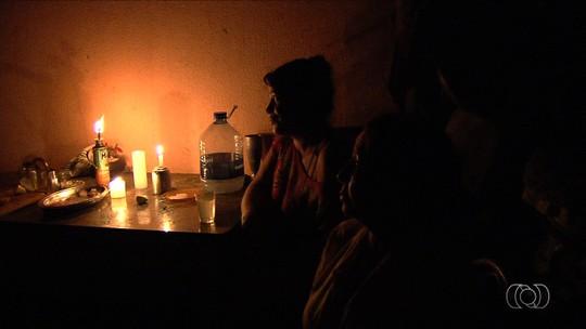 Moradores reclamam de prejuízos após queda de energia no Setor Castelo Branco, em Goiânia