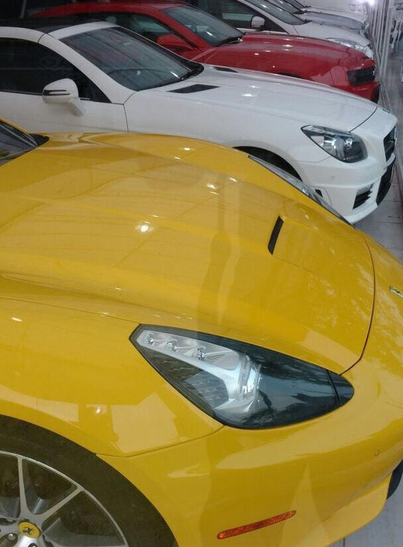Carros de luxo foram apreendidos pela PF (Foto: Polícia Federal/Divulgação)