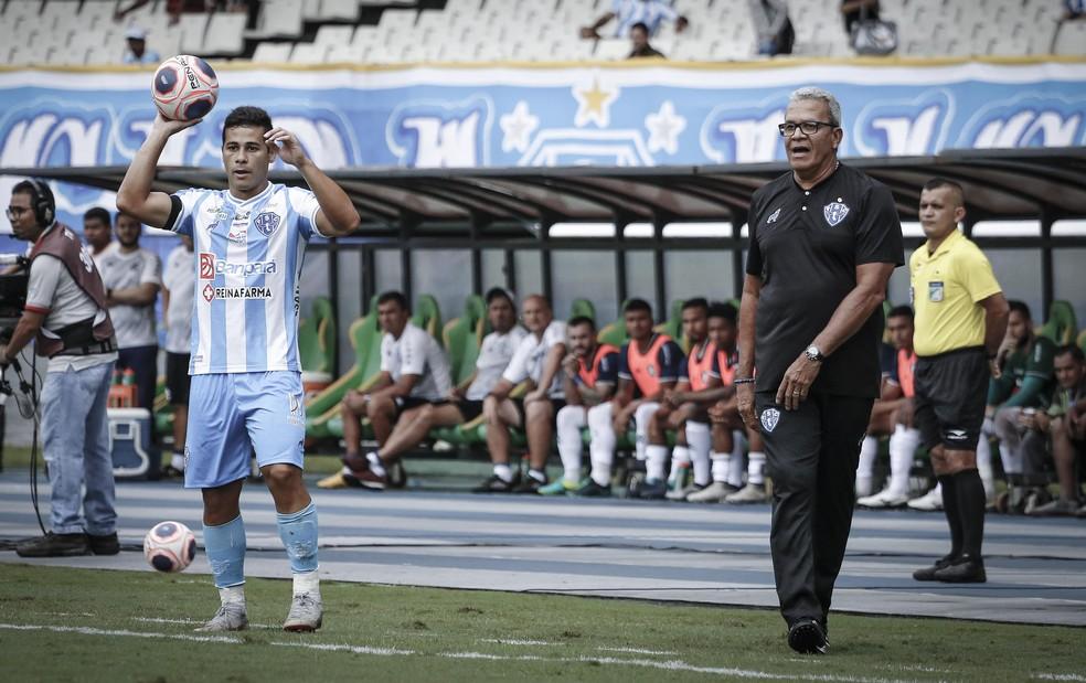 Hélio dos Anjos viu seu time ficar à frente do placar duas vezes — Foto: Jorge Luiz/Paysandu