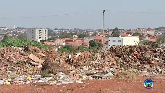 Lixão clandestino em bairro de Itapetininga preocupa moradores