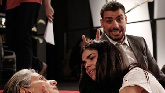 Cauã Reymond grava vídeo inusitado de Cassia Kis nos bastidores de 'A Regra do Jogo'