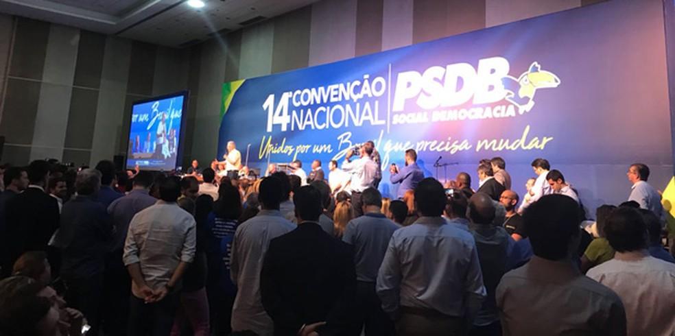O ex-presidente Fernando Henrique Cardoso discursa na convenção nacional do PSDB (Foto: Laís Lis / G1)