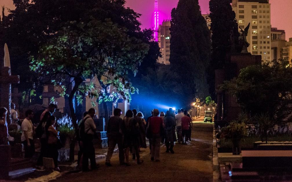 Mercado da 'morte' movimenta R$ 1,2 bilhões por ano em São Paulo e gera 7,8 mil empregos, diz sindicato dos cemitérios — Foto: Marcelo Brandt/G1