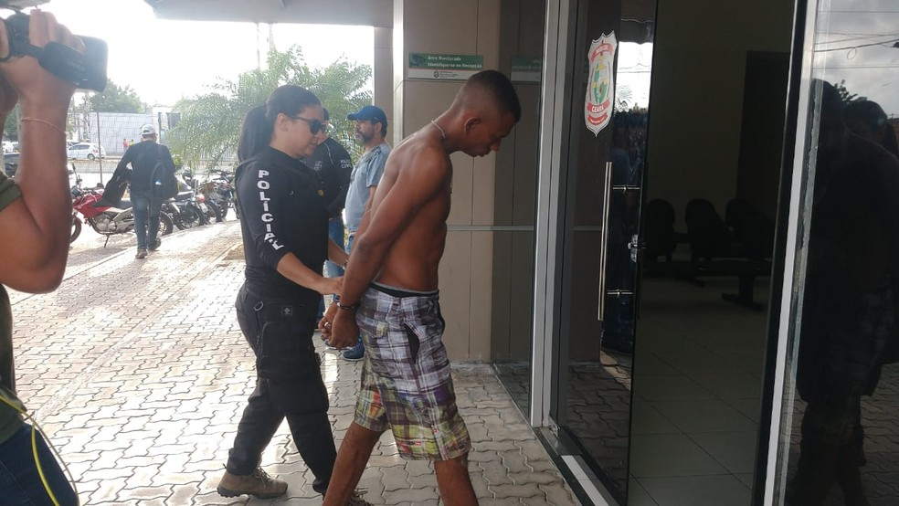 Operação da Polícia Civil cumpre mandados de prisão e de busca e apreensão em Fortaleza. — Foto: Halisson Ferreira/SVM