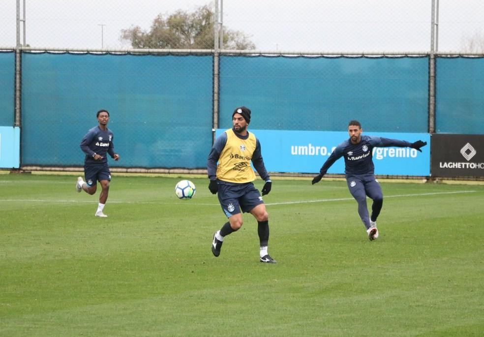 Maicon participou normalmente do treino nesta terça (Foto: Eduardo Moura / GloboEsporte.com)