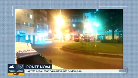 Carreta pega fogo em Ponte Nova, na Zona da Mata