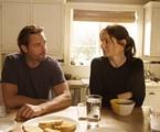 Josh Holloway e Sarah Wayne Callies em cena de 'Colony' | Divulgação