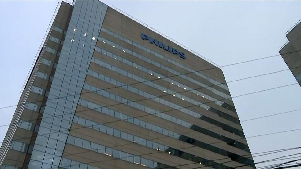 Philips, em Barueri, é alvo de operação da PF (Foto: Reprodução/TV Globo)