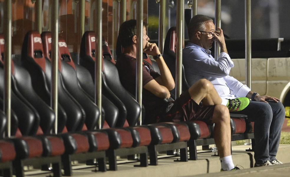 Dorival Júnior acredita que o São Paulo tem se portado bem, mas falhado em momentos decisivos das partidas (Foto: Mauro Horita)