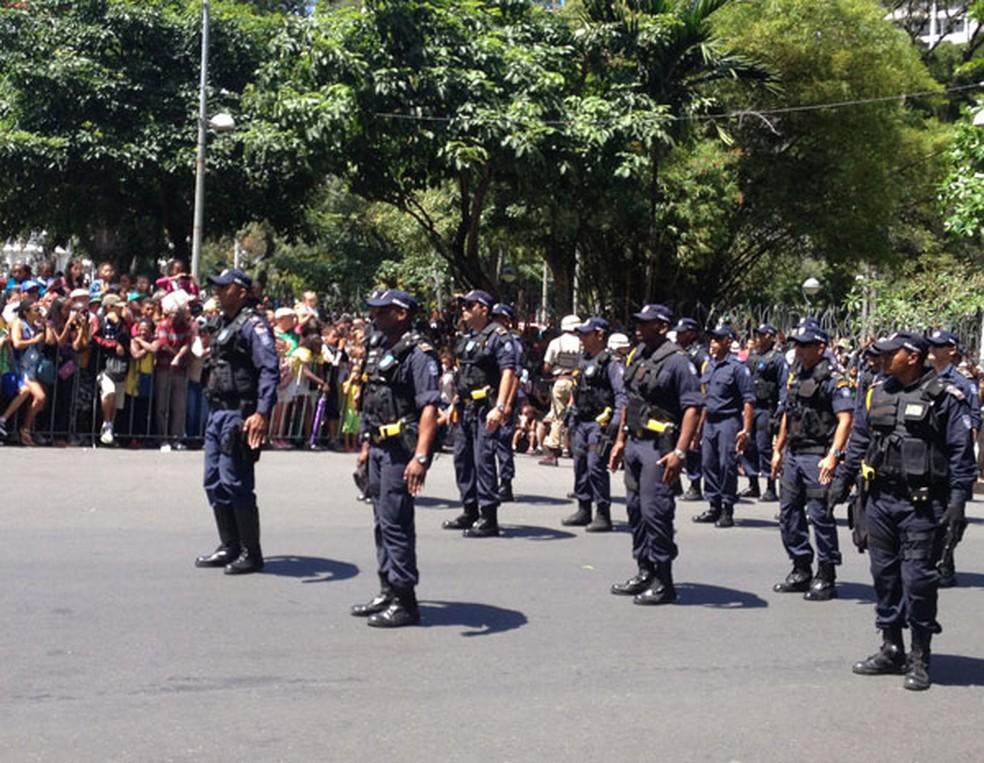 Agentes da Guarda Municipal de Salvador  (Foto: Maiana Belo / G1)