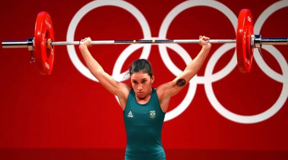 Natasha Rosa ficou em terceiro no levantamento de peso até 48 kg — Foto: Edgard Garrido/Reuters