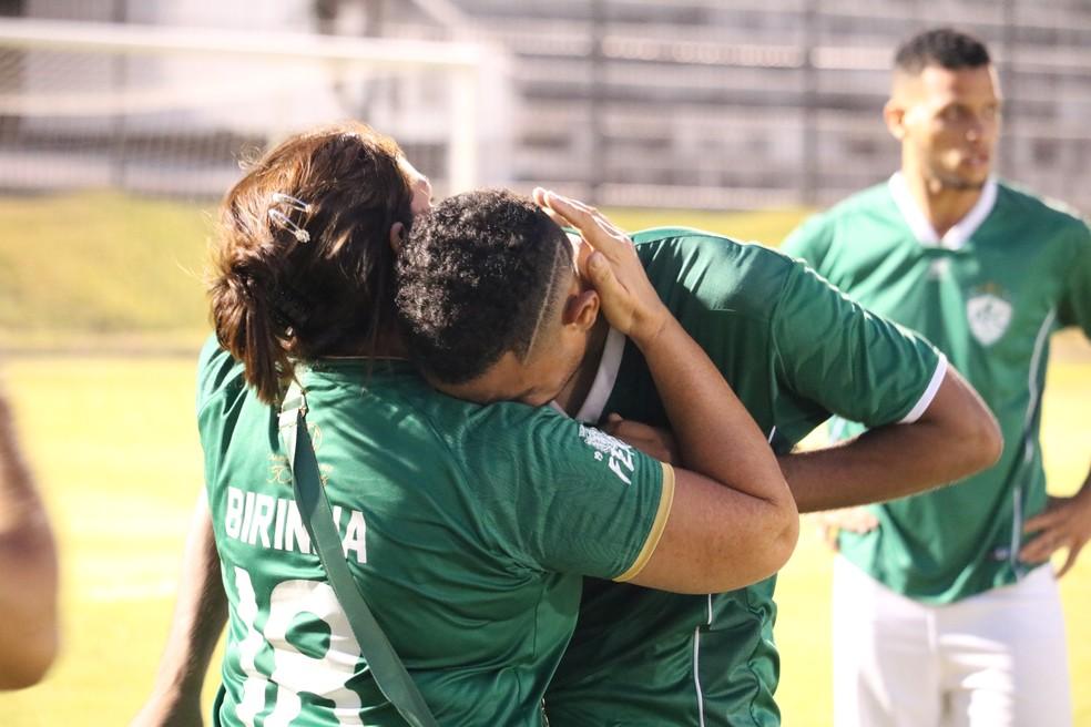 Do lado do Alecrim, muita tristeza com a perda do título — Foto: Augusto Gomes/GloboEsporte.com