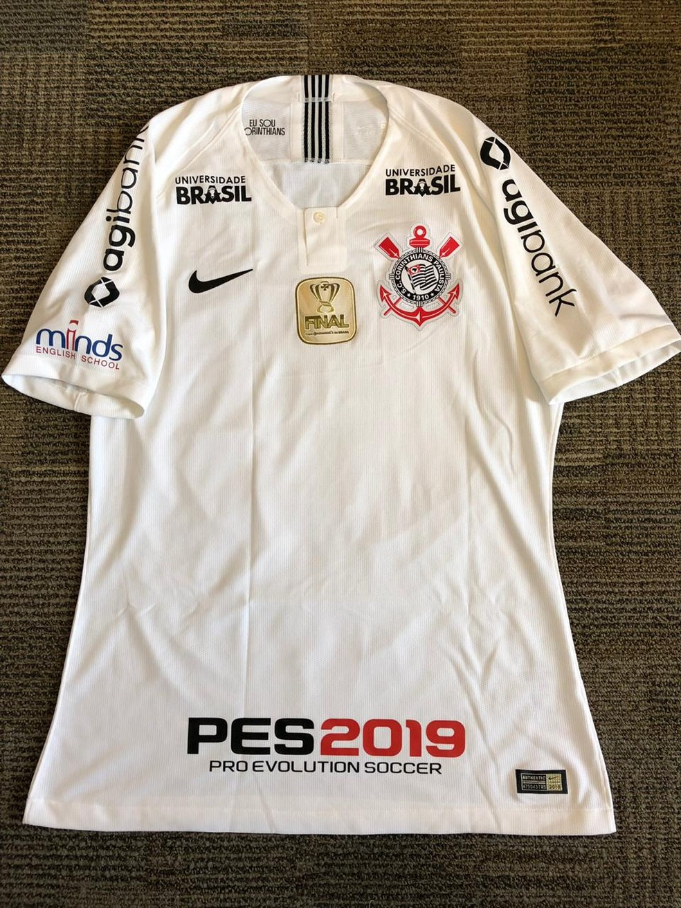 Camisa do Corinthians na final da Copa do Brasil — Foto: GloboEsporte.com