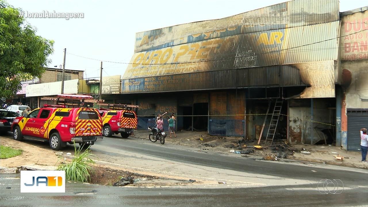 Comerciantes contabilizam prejuízos de incêndio em Goiânia