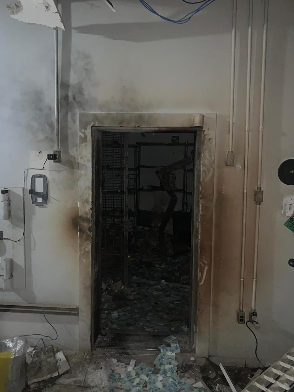 Cofre da agência do Banco do Brasil alvo de criminosos em Criciúma, no Sul de SC — Foto: Polícia Civil