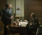 Holt McCallany, Jonathan Groff e Thomas Francis Murphy em 'Mindhunter' | Patrick Harbron/Netflix