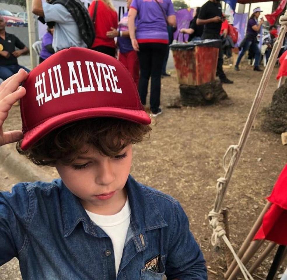 Arthur Lula da Silva, de 7 anos, neto do ex-presidente Lula, morre de meningite — Foto: Reprodução/Facebook