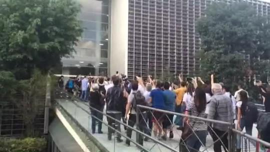 Estudantes desocupam Assembleia Legislativa de SP após 3 dias