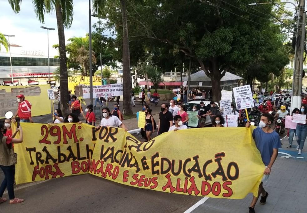 Estudantes de movimentos estudantis participaram do ato — Foto: Eldérico Silva/Rede Amazônica Acre