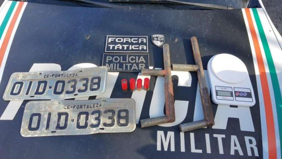 Cinco suspeitos são presos em festa de facção criminosa na Grande Fortaleza; duas armas são apreendidas — Foto: Divulgação