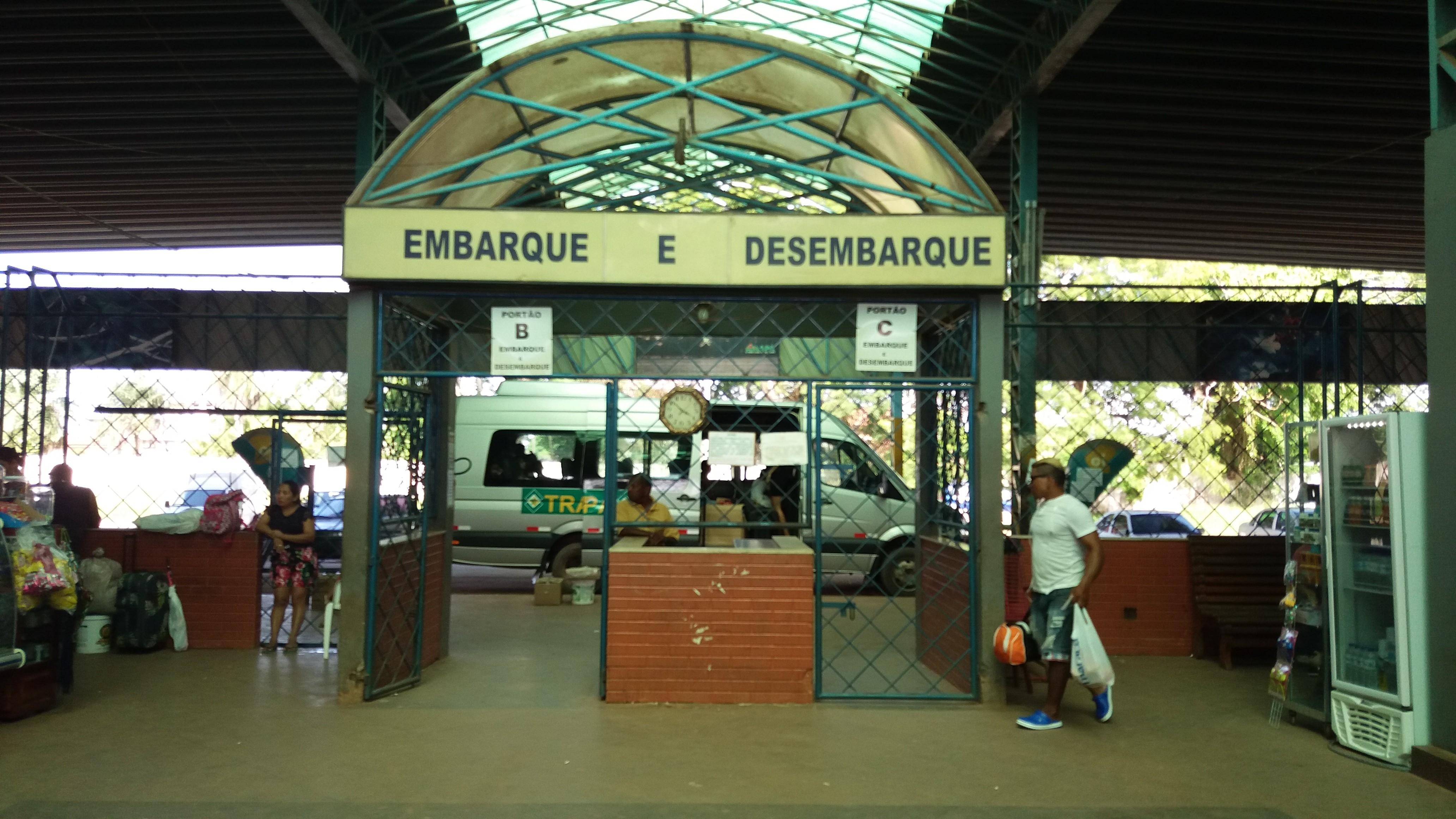 Governo suspende transporte de ônibus até Laranjal do Jari como prevenção do novo coronavírus