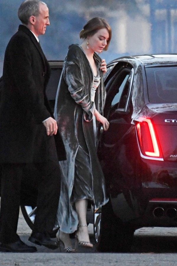 Newport, RI  - Celebrities guests arrive to Jennifer Lawrence and Cooke Maroney's wedding in Newport, Rhode Island.Pictured: Emma StoneBACKGRID USA 19 OCTOBER 2019 USA: +1 310 798 9111 / usasales@backgrid.comUK: +44 208 344 2007 / uksales@ (Foto: JosiahW / BACKGRID)