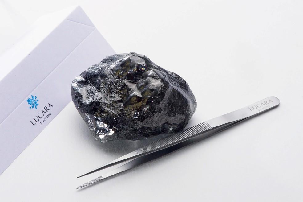 Diamante de 1.758 quilates, encontrado pela mineradora canadense Lucara em sua unidade de exploração em Botsuana. — Foto: Eduardo Hernandez M./Lucara Diamond/Handout via REUTERS