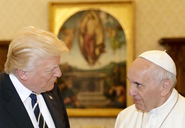 O presidente norte-americano Donald Trump reúne-se com o papa Francisco em audiência privada no Vaticano (Foto: Alessandra Tarantino/EFE)
