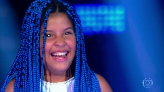 Lívia Valéria segue na competição após vitória na fase das batalhas do The Voice Kids