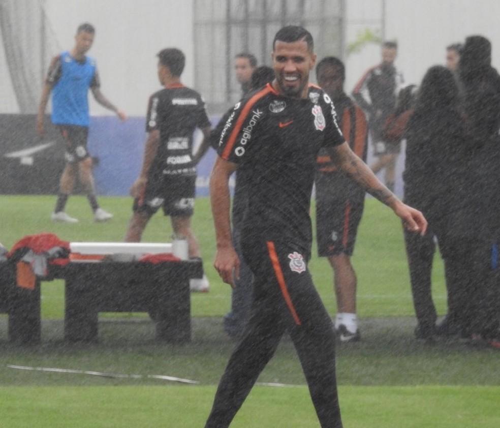 Jonathas ficou fora até mesmo de time reserva em treino — Foto: Bruno Cassucci