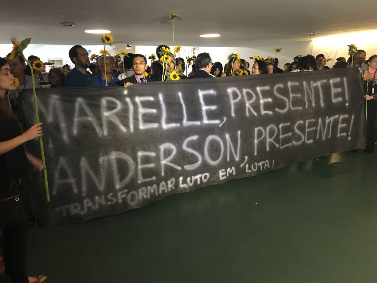 Maia autoriza criação de comissão externa para acompanhar investigação da morte de Marielle Franco
